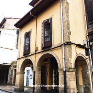 Casa en el centro historico, con local comercial.